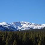 Felsen und Wälder am scenic byway