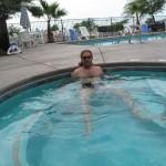 Probleme? Sascha relaxt am Pool